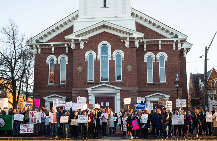 Protesters in front of North Church in Market Square